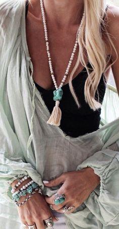 Inspiração  acessórios para usar na praia - Claudia BartelleClaudia  Bartelle Moda Outono, Moda Primavera 1148996296