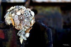 http://intrigue-designs.com/ Brooch bouquet