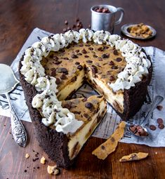 Cookie Dough Cheesecake | Reseptit | Kinuskikissa Baking Recipes, Cake Recipes, Dessert Recipes, No Bake Desserts, Vegan Desserts, Cookie Dough Cheesecake, Sweet Bakery, Just Eat It, No Bake Cake