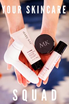 A team dedicated to your skincare. Skinvigorate™ Cleansing Brush, TimeWise® and the skin-perfecting finish of Mary Kay® Translucent Loose Powder.
