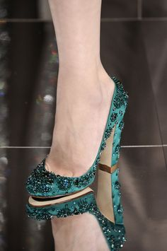 Women's Green Rhinestone Round Toe Chunky Heels Pumps Shoes Chunky Heel Pumps, Studded Heels, Pump Shoes, Shoe Boots, Shoes Heels, Ankle Boots, Shoe Shoe, Pretty Shoes, Beautiful Shoes
