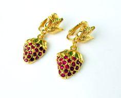 Vintage Earrings Strawberry Dangles Red by SunburyVintageStore