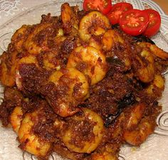 Chemeen Varattiyathu is a popular sea food delicacy of Kerala. It is not fried prawns but gravy with is almost semi-dry. It is a grea...