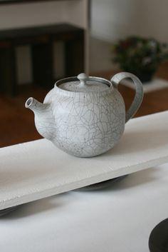 covetandginger:  Shiho Takada teapot.