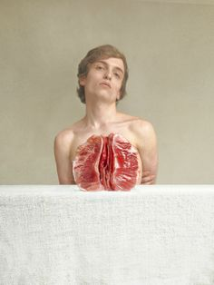 French photographer Marwane Pallas explores human anatomy in a surprising and interrogative way in his collection of four pictures entitled Doctrine of Signatures. He stages half fruits and vegetables that perfectly take the shape of several human body parts and organs.