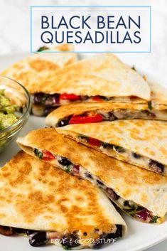 Quesadilla Recipes With Beans, Healthy Quesadilla Recipes, Best Quesadilla Recipe, Veggie Quesadilla, Vegetarian Quesadilla, Family Vegetarian Meals, Vegetarian Appetizers, Vegetarian Recipes Dinner, Veggie Recipes