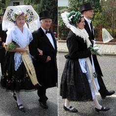 FolkCostume&Embroidery: Overview of Sorbian Folk Costume Cottbus European Costumes, German Folk, Art Populaire, Tribal Dress, Folk Costume, Festival Wear, Historical Clothing, People Around The World, Sorbet