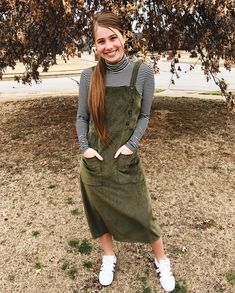 ponder over . - gf potential likes - Modest Fashion Skirt Outfits Modest, Modest Skirts, Jean Skirts, Denim Skirts, Casual Fall Outfits, Simple Outfits, Cute Outfits, Modest Winter Outfits, Modest Fashion