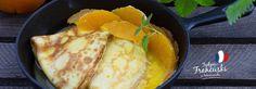 Crepes Suzette - francuskie naleśniki z aromatycznym syropem pomarańczowym #intermarche #naleśniki Cornbread, Pancakes, Cheese, Ethnic Recipes, Ideas, Food, Millet Bread, Essen, Pancake