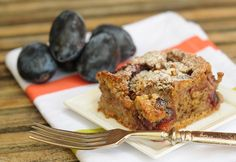 Diós-szilvás süti Pound Cake, Sweet Recipes, Banana Bread, French Toast, Muffin, Gluten, Sugar, Baking, Healthy