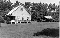 Miller farmstead dogtrot in Webster Parish, Louisiana.