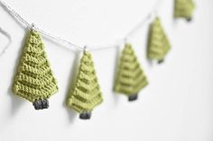 Christmas tree garland  crochet pattern PDF English