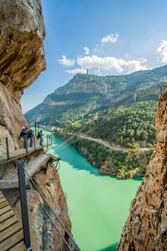 Caminito del Rey (Málaga) restaurado con una nueva plataforma sobre el antiguo… The walkway is pinned along the steep walls of a narrow gorge in El Chorro, near Ardales in the province of Malaga. Places Around The World, Oh The Places You'll Go, Travel Around The World, Places To Travel, Travel Destinations, Places To Visit, Travel Tips, Wonderful Places, Beautiful Places