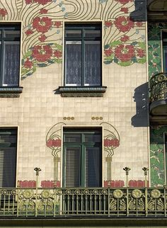 *Majolikahaus by Architect Otto Wagner - Vienna, Austria . Art nouveau house