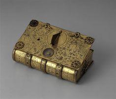 Horloge de table en forme de livre Schnier Hans (actif fin du 16e siècle) Paris, musée du Louvre
