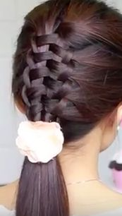 One easy trick to get this Zipper Braid Hairstyle. How is no body talking about this?  See the full tutorial! . #braid #hair