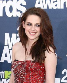 Kristen Stewart casual bedhead hairstyle