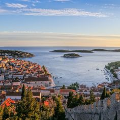 Croatia Map, Medieval Fortress, Hiking Tours, Beautiful Castles, Beautiful Islands, Where To Go, Tourism, National Parks, Explore