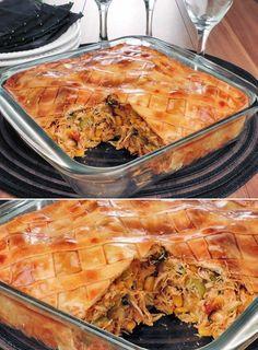 Tempo: 45min Rendimento: 8 porções Dificuldade: fácil Ingredientes da torta fácil de frango e massa de pastel 1 rolo de massa de pastel (500g) Manteiga para untar 1 gema para pincelar Recheio 3 colheres (sopa) de manteiga 1 cebola picada 4... Lasagna, Carne, Minis, Macaroni And Cheese, Food And Drink, Ethnic Recipes, Tasty Food Recipes, Health Recipes, Savoury Finger Food