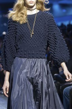 Christian Dior at Paris Fall 2017 (Details)Bobble sweater. Christian Dior at Paris Fall 2017 (Details)Bobble sweater. Fall Fashion Trends, Fashion Week, Fashion 2017, Runway Fashion, High Fashion, Winter Fashion, Womens Fashion, Paris Fashion, Knitwear Fashion