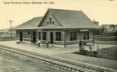Great Northern Railroad, North Dakota, Model Trains, Ancestry, Genealogy, Old Photos, Places Ive Been, Cabin, American
