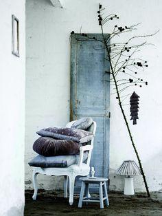 love grey blue colors.