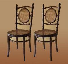 Par de sillas de origen Checoslovaco de la firma Fischel by Thonet, circa 1913. Excelente estado y precio. En venta.