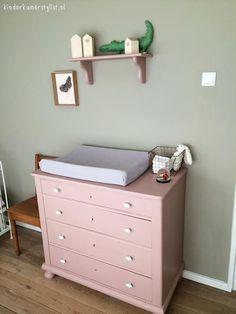 Oud roze commode Kidsroom, Kids House, Kids Bedroom, Baby Room, Baby Kids, Dresser, Room Decor, Nursery, Furniture