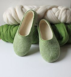Felted slippers for woman - wool slippers - made to order - eco friendly - green and organic white