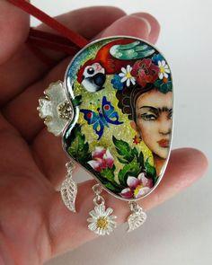 Frida Kahlo. Ciondoli, perline in cloisonne, argento. Gioielli fatti a mano