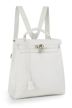 What Goes Around Comes Around White Evergrain Kelly Ado - Hermès Hermes Kelly Bag, Hermes Bags, Luxury Purses, Luxury Bags, Cute Purses, Purses And Bags, Chloe Drew Bag, Kylie Jenner, Mini Mochila