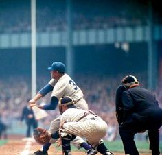 This is opening game, World Series 1955, in color, Dodgers vs Yankees: #Sport pic.twitter.com/WBGgMImSGb