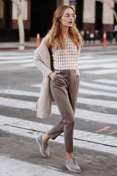 Street Style // Sonya Esman's chic street outfit.
