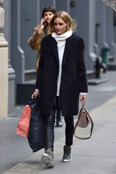 Here, a minimal way to bundle up without being weighed down. #refinery29 http://www.refinery29.com/olivia-palermo-style-pictures#slide-5
