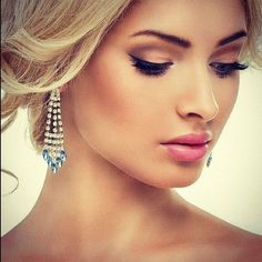 LOVE the makeup! not too heavy not too light. Maybe a slightly different lip color.. Stunning Wedding Makeup Idea