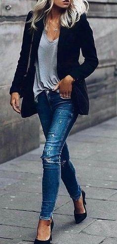 #fall #outfits jeans en denim bleu de détresse