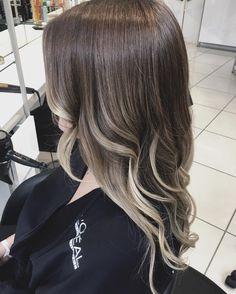 nice Омбре на темные волосы (50 фото) — Окрашивание средних и длинных локонов Читай больше http://avrorra.com/okrashivanie-ombre-na-temnye-volosy-foto/