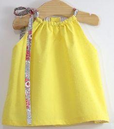 New baby dress diy summer 44 Ideas New Baby Dress, Baby Summer Dresses, Dress Summer, Summer Girls, Trendy Baby Clothes, Crochet Baby Clothes, Diy Clothes, Baby Outfits, Trendy Outfits