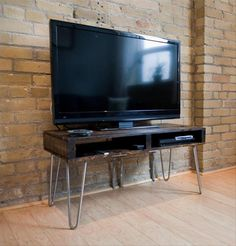reclaimed pallet TV stand