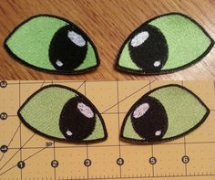 Toothless eyes from How to Train Your Dragon as patches for a plushie. Original design by I do not make these for sale, but I make other patches for the. Toothless Party, Toothless Costume, Toothless Dragon, Dragon Costume, Toothless Cake, Dragon Birthday Parties, Dragon Party, Make A Dragon, How To Train Your Dragon