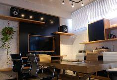 #black and #oak #confranceroom #homrun #mydesign #officedesign #office #design #interiordesign #interiors #olinteriors http://ift.tt/2ksamKl