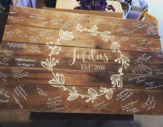 Wooden Wedding Guest Book, Wedding Book, Wedding Signs, Wedding Table, Diy Wedding, Rustic Wedding, Wedding Ideas, Wedding Hacks, Wedding Beauty