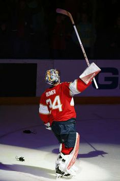 SUNRISE, FL - FEBRUARY 3: Goaltender James Reimer #34 of the Florida Panthers salutes the crowd after his 100th win. James Reimer made 22 saves against the Anaheim Ducks at the BB&T Center on February 3, 2017 in Sunrise, Florida. (Photo by Eliot J. Schechter/NHLI via Getty Images)