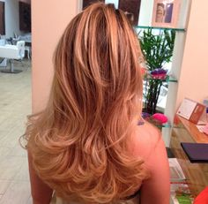 Trabalho  #wella #rica #ryca #reina #tendência #instaframe #perfect #penteado #princesa #platinada #pivotpoint #amo #avelã #Sp #diva #digna #gorgeous #keune #keunesp #kerastase #keunebrasil #loira #loura #luzes #lejardin #loiraveneno #vídeo #blond #brown #beleza #blonde #moda #mechas #amarésimples