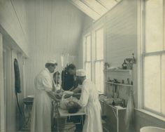 Pioneering Medicine: Milestones from Seattle's First Century 1850-1950 [online exhibit]