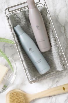 Check out this winning combo! Both are infused with shea butter and other moisturizing ingredients for soft, shiny hair. Nutriol Shampoo, Hair Loss Shampoo, Moisturizing Shampoo, Nu Skin, Nuskin Toothpaste, Hair Pack, Shiny Hair, Beauty Essentials, Smell Good