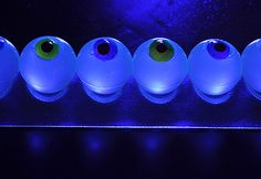 Glow-in-the-Dark Eyeball Jelly Shots Put a Halloween spin on jello shots by making these blacklight eyeball jelly shots! Halloween Shots, Halloween Drinks, Halloween Food For Party, Halloween Treats, Happy Halloween, Halloween Stuff, Halloween Coctails, Halloween Jelly, Halloween Decorations
