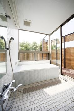 浴室 – Lost in Daydreams – japanesetubs Future House, My House, Japanese Bathroom, Washroom, Beautiful Space, Houzz, Laundry Room, Interior Architecture, Swimming Pools