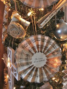 Pieced Pastimes: 2011 Christmas Tree with Handmade Ornaments