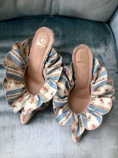 Cute Shoes, Me Too Shoes, Shoe Boots, Shoes Heels, Pumps, Shoe Closet, Crazy Shoes, Dream Shoes, Mode Outfits